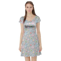 Gray Pattern With Music Notes And Stars Short Sleeve Skater Dress by CoolDesigns